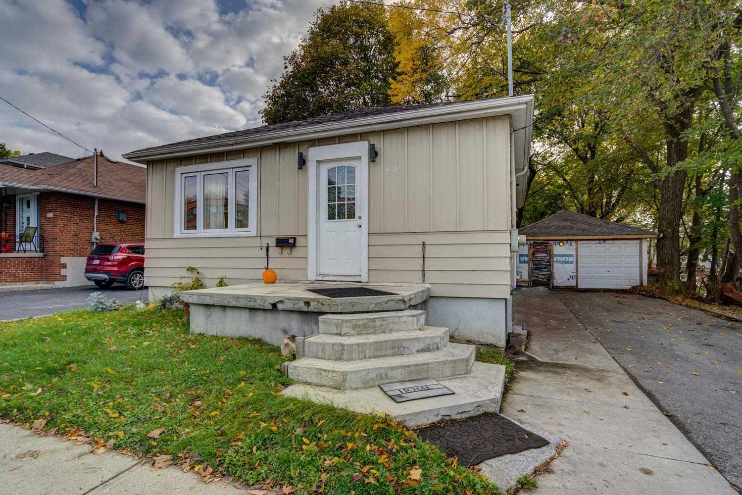 3137 St Clair Ave E, Toronto