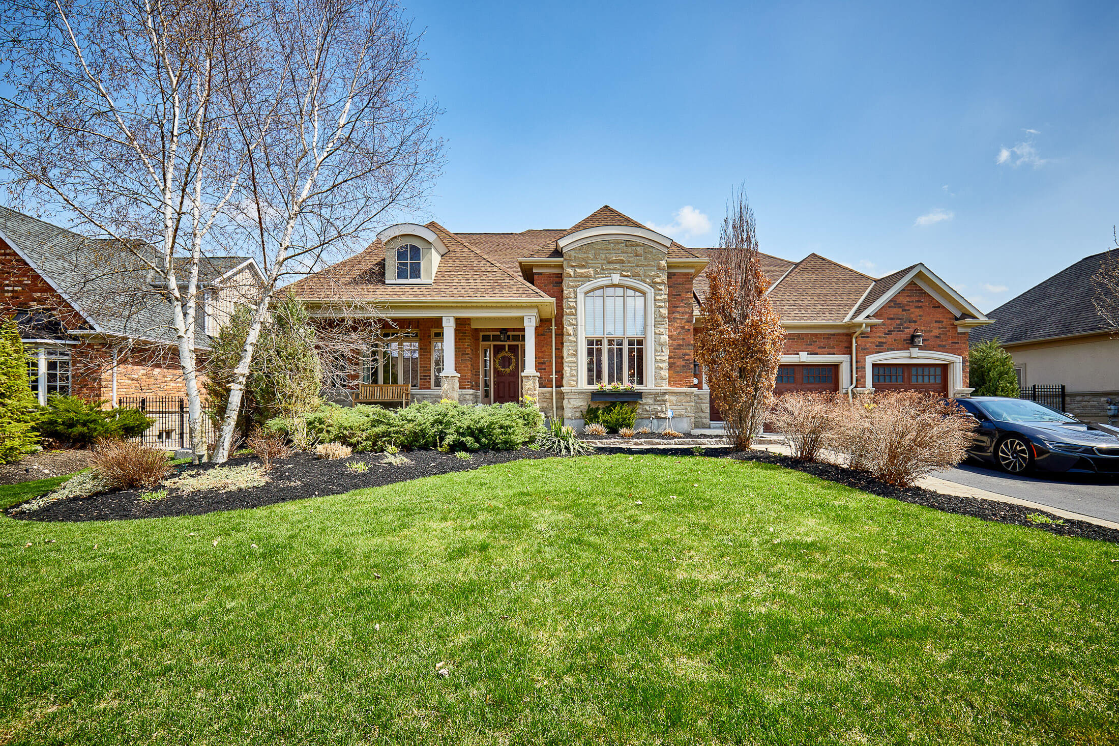 52 Country Club Cres