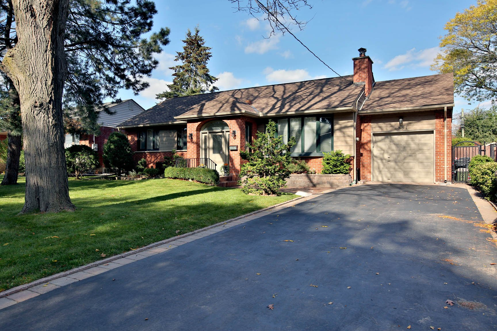$1,249,000 • 1551 Clearwater Dr