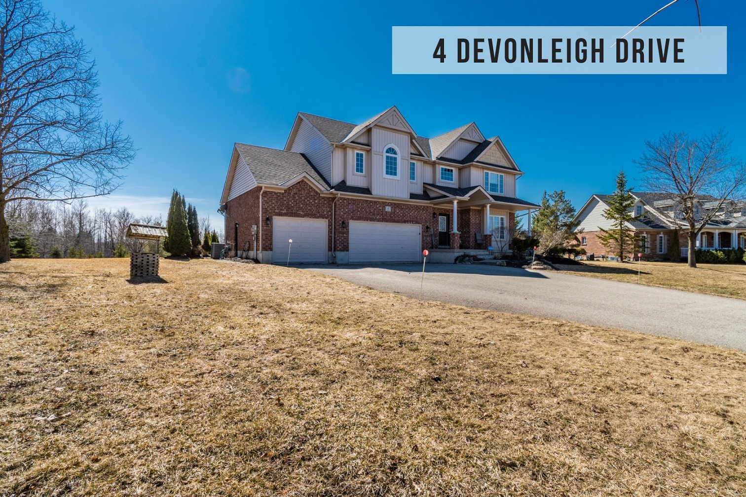 $879,900 • 4 Devonleigh Dr