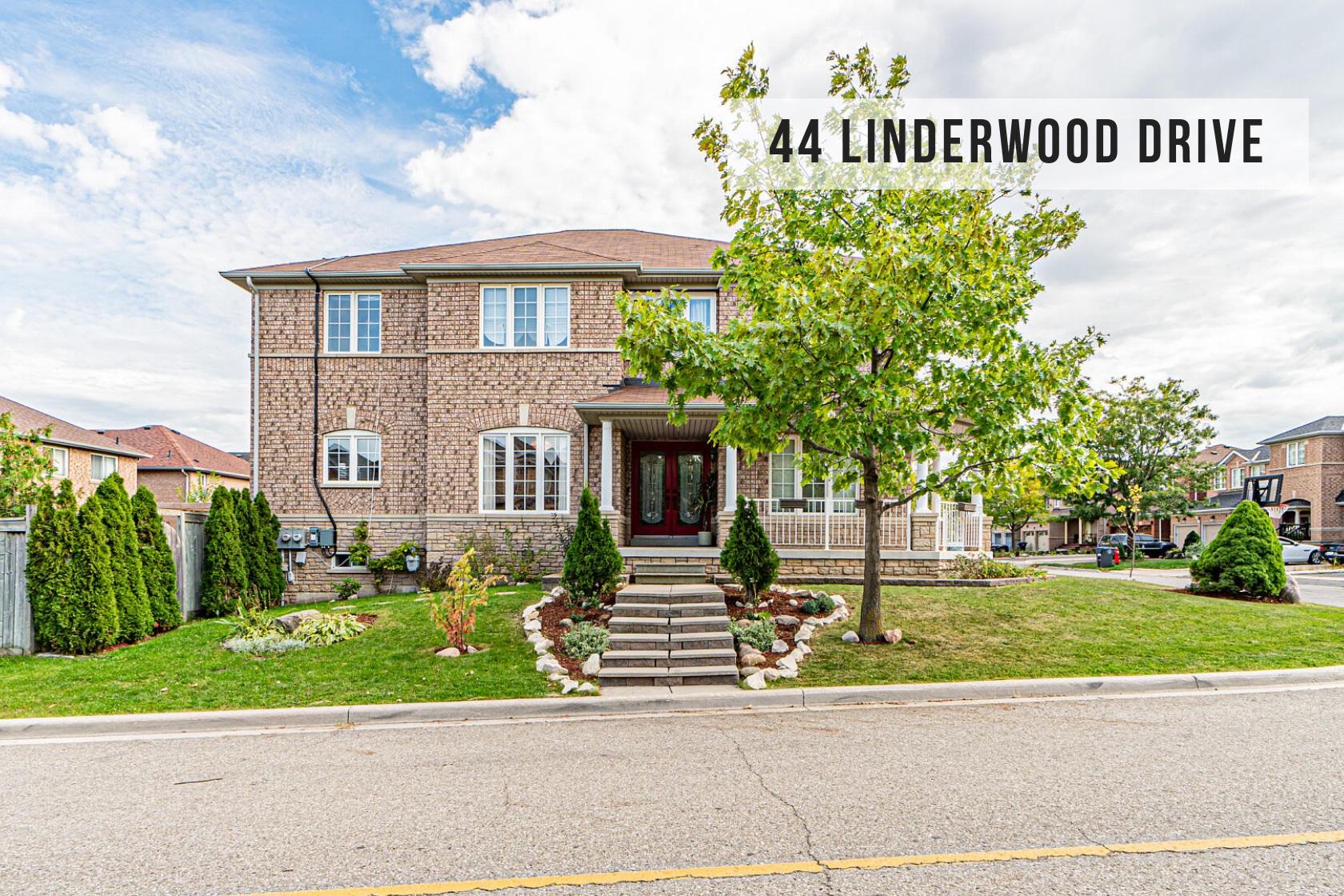 $913,800 • 44 Linderwood Dr